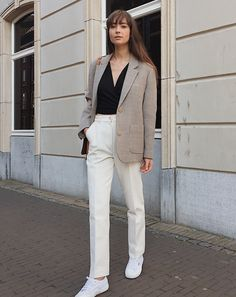 Looks to Wear SophieH - Nothing Written - Superga - Louis Vuitton - Rue Stiic. Classic Outfits, Simple Outfits, Smart Casual Women Office, Beige Blazer Outfit, Superga Outfit, Work Attire, Winter Fashion, Street Style, Clothes For Women