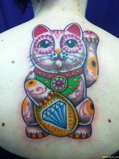 Lucky cat tattoo OH I WANT THIS ONE...HEHE it is so WAY COOL