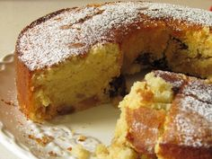 עוגת אגסים וצימוקים בחושה - From Haya With Love