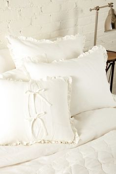 8 Antique Bed Linens Ideas Antique Beds Vintage Linens Bed