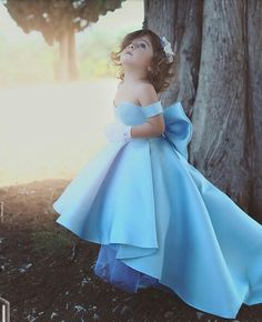 Elegant Off Shoulder High Low Satin Flower Girls Dresses Strapless Kids Pageant Gowns With Bow First Communion Dress Wedding Girl, Wedding Dresses For Girls, Girls Dresses, Dress Wedding, Bridesmaid Dresses, Prom Dresses, Gowns For Girls, Baby Girl Dresses, Formal Wedding