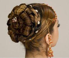 Indian Juda Hairstyles For Women | Hairstylo New Braided Hairstyles, Updo Hairstyles Tutorials, Night Hairstyles, Indian Bridal Hairstyles, Wedding Guest Hairstyles, Trendy Hairstyles, Girl Hairstyles, Arabic Hairstyles, Hairdos