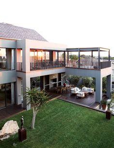 une maison moderne extraordinaire en pente raide par Grondal ...