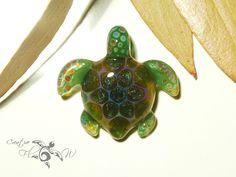 Green Mossy sparkle turtle #turtle #pendant #glassart #lampwork #flamework #gift #turtlenecklace #borosilicate #creativeflowglass