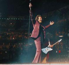 Harry Styles, Tours, Romantic, Concert, Live, Concerts, Romance Movies, Romantic Things, Romance