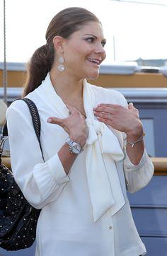 Princesse Victoria Princess Victoria Of Sweden, Crown Princess Victoria, Classic Feminine Style, Princesa Victoria, Queen Vic, Sweden Fashion, My Wardrobe, Royalty, White Dress