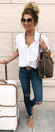 Casual summer outfits / white blouse and jeans outfit / travel outfit / airport outfit