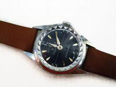 Armbanduhr+KRISTALL+60er+Vintage+Uhr+modern+von+Mont+Klamott+-+seltene+Vintage+Einzelstücke:+Liebzuhabendes,+Verspieltes,+Tickendes,+Klunkerndes,+Zauberhaftes,+Antikes,+Kurioses,+Schmuck+&+Uhren++auf+DaWanda.com