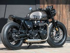 Wind Burned Eyes is a site for motorcyclists. It focuses on custom motorcycles, motorcycle gear, motorcycle industry news, and more. Triumph Cafe Racer, Triumph Bikes, Triumph Scrambler, Old Motorcycles, Scrambler Custom, Custom Cafe Racer, Cafe Racer Build, Bike Builder, Cafe Racing
