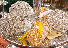 palle gioiello composte da tante gemme incastonate per un Natale schick ed elegante http://www.alberti-import-export.com/indice-decnata.asp
