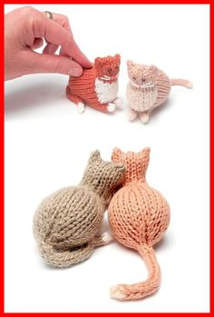 Tiny Parlor Cat - Free Pattern Tiny Parlor Cat – Free Pattern History of Knitting Yarn spinning, weaving and stitching careers s Love Knitting, Knitting Yarn, Baby Knitting, Animal Knitting Patterns, Knit Patterns, Knitting Projects, Crochet Projects, Knitted Animals, Knitted Bunnies