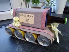 Tort czołg z piwa. #prezent dla chłopaka Keto Snacks, Valentines, Etsy Shop, Christmas Ornaments, Creative, Handmade, Gifts, Easy, Dekoration
