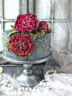 Торт с кракелюрным покрытие , пионы из шоколада и пион в барельефной технике 1 Tier Cake, Tiered Cakes, Beautiful Cakes, Amazing Cakes, Mini Eggs Cake, Crack Cake, Wedding Proposals, Cake Icing, Cake Cookies