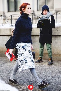 Taylor Tomasi Hill in New York City. London Fashion Weeks, Fashion Week Paris, New York Fashion Week Street Style, Autumn Street Style, Street Chic, Winter Fashion, Trendy Fashion, Fashion Looks, Style Fashion