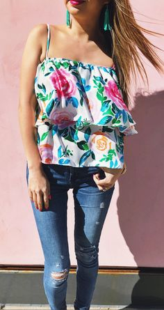 Flower Print Top & Ripped Skinny Jeans