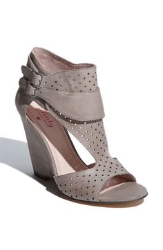 Tracy Reese #shoes, #women, https://facebook.com/apps/application.php?id=106186096099420