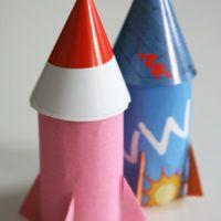 Dans l'espace, des fusées de carton