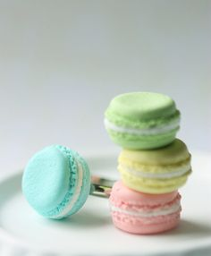 Food Jewelry French Macaron Ring Candy by miniaturepatisserie Pastel Nail Polish, Pastel Nails, Polymer Clay Miniatures, Polymer Clay Charms, Biscuit, Bridesmaid Rings, French Macaroons, Kawaii Jewelry, Good Enough To Eat