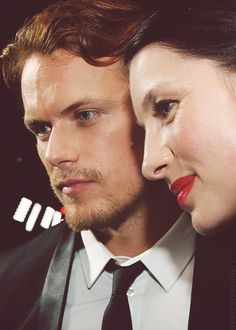 Sam Heughan and Caitriona Balfe.  Vive les Frasers : Photo