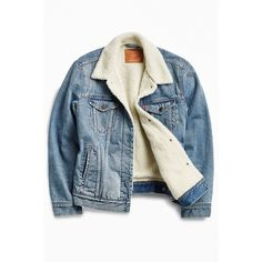 Levi's Denim Sherpa Jacket (€125) ❤ liked on Polyvore featuring men's fashion, men's clothing, men's outerwear, men's jackets, outerwear, mens sherpa lined denim jacket, mens faux shearling jacket, mens sherpa jacket and mens denim jacket
