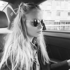 "crouiiic: ""Hello London ✌🏼️💋 by natashapoly "" London Instagram, Instagram Posts, Hello London, Natasha Poly, Beachy Waves, Pure Beauty, Beauty Hacks, Beauty Tips, Sunglasses Women"