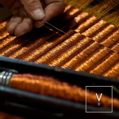 [ Copper Weaves ] In this photo coming next in our Making of a Verdi  process we show the manual loom where the fique fibers are woven with different metal threads to give life to a Verdi rug. We are currently working in different samples designs and weaves and wanted to share this trial of one of our flat weaves in only copper fibers. Stay tuned for more! #VerdiDesign #WeavingIntoNature #MakingOfVerdi #OurProcess #Metal #Copper #Rugs #MetalRugs #Handcrafted #Colombia #Nature #InteriorDesign…