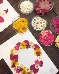 Dried And Pressed Flowers, Pressed Flower Art, Dried Flowers, Resin Crafts, Resin Art, Crafts To Do, Diy Crafts, Pressing Flowers, Little Boxes