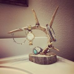 Perfect for the hunter or huntress in your life!! Made from wood and whitetail deer antlers - this jewelry holder can sit on your bathroom