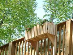 on outside of deck railing Pergola Swing, Deck With Pergola, Outdoor Spaces, Outdoor Living, Outdoor Decor, Deck Planters, Planter Boxes, Victory Garden, Diy Deck