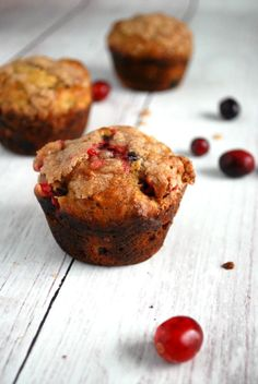 Cranberry Orange Muffins with Cinnamon Crumb Topping
