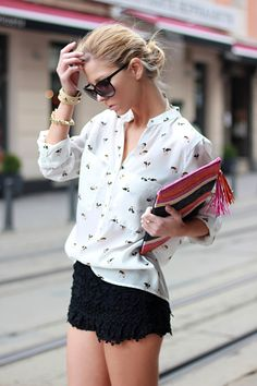 black & white printed blouse. great with these shorts.