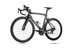 Pinarello DOGMA F8, nice fluid shapes and extreme frame-stiffness!