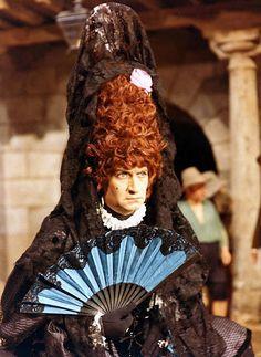 """Louis de Funès dans """"La Folie des Grandeurs"""" (1971)."""