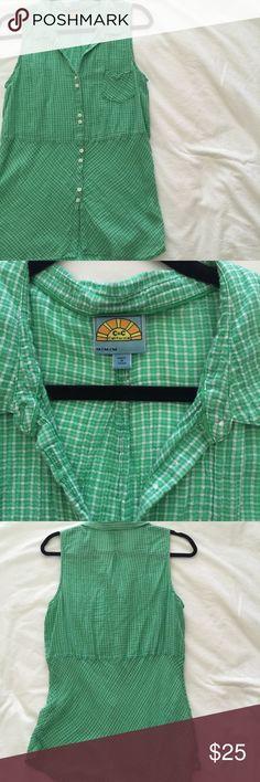 c&c california green plaid sleeveless button-down great condition. lightweight, linen-like material. C&C California Tops Button Down Shirts