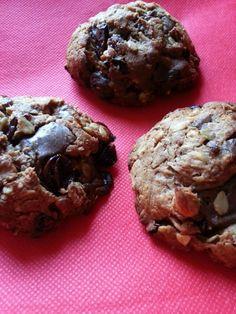 Ha fogyókúrád ideje alatt valami finom csokis nasira vágysz, válaszd ezt a zabpelyhes-csokis kekszet. Muffin, Healthy Recipes, Healthy Food, Cookies, Chocolate, Breakfast, Cake, Healthy Foods, Crack Crackers