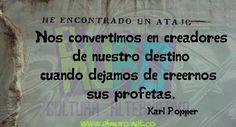 """""""Nos convertimos en creadores de nuestro destino cuando dejamos de creernos sus profetas""""  Karl Popper  Feliz  Jueves para todos y todas!   #FraseDelDía #RevistaElMuro #KarlPopper #Destino #Filosofía #Destino #Profeta #Creador"""