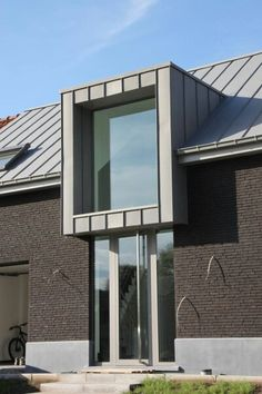 Dak Zinc Roof, Timber Roof, Metal Roof, Zinc Cladding, Roof Cladding, House Extension Design, Roof Extension, Roof Design, Exterior Design