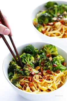 This Sesame Noodles recipe with Broccoli and Almonds is ready to go in about 20 minutes, and is full of the BEST fresh and zesty flavors!