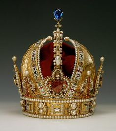 This crown is the most important work of the European goldsmiths art. It was made in Prague in 1602 as the personal crown of Emperor Rudolf II, who had been Holy Roman Emperor since 1576. For this task the goldsmith Jan Vermeyen of Antwerp was summoned to Prague, at that time the imperial residence. One of the most artistically accomplished, beautiful and precious crowns in the world.