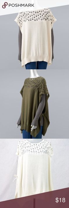 """Vera Wang Lace Knit Stitch Poncho Off-White NWT BRAND NEW WITH TAG:  Accessorize in style when you tie your look together with this lovely knit poncho by Simply Vera Vera Wang.  MSRP. $58  PRODUCT FEATURES Side bow tie closures  Solid styling  28"""" x 32"""" One size fits most  Fabric & Care  100% Cotton  Hand wash Simply Vera Vera Wang Sweaters Shrugs & Ponchos"""