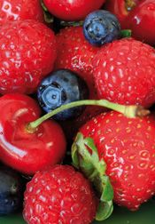 Blueberries and Strawberries Reduce Heart Attack Risk in Middle-Aged Women