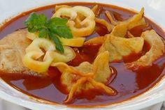 Boszorkányszigeti batyus halászlé Fish Dishes, Thai Red Curry, Waffles, Breakfast, Ethnic Recipes, Advent, Food, Morning Coffee, Eten