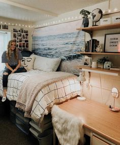 Cute Dorm Rooms We're Obsessing Over Right Now Okay, could this dorm room be any cuter? So many cute dorm room ideas I am dying insta- ashlyn_elggrenOkay, could this dorm room be any cuter? So many cute dorm room ideas I am dying insta- ashlyn_elggren Cool Dorm Rooms, College Dorm Rooms, Dorm Room Beds, Dorm Room Bedding, Bedding Sets, College Dorm Bedding, Lights In Dorm Room, College Dorm Pictures, College Dorm Lights