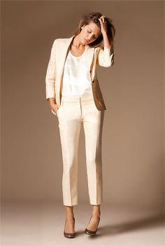 Comment-porter-le-tailleur-pantalon-blanc.jpe (467×700)