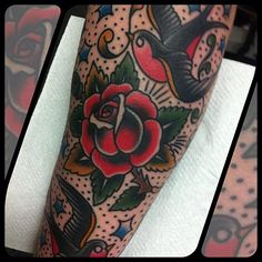 Richie Clarke (at Forever True Tattoo) Girly Tattoos, Rose Tattoos, Flower Tattoos, Tatoos, American Traditional Rose, Traditional Ink, Traditional Tattoo Bird, Sleeve Tattoos, Tattoo Sleeves