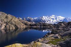 Le lac Noir inférieur de la Réserve Naturelle des Aiguilles Rouges © Savoie Mont Blanc / Huchette
