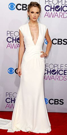 TSwift doesn't do much for me but this is a gorgeous look. #peopleschoice13