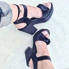 Sandália Lace Velvet Black  Sandalia Flatform em veludo preto com laço  #verao2018 #veludopreto #modafeminina #sandalia