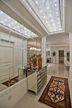 Apartamento Com Decoração Clássica, Neutra E Sofisticada! Confira Ideias  Bacanas!   Decor Salteado