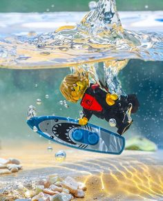 "Brick Explorer 🌍 on Instagram: ""Splash! 🌊 ... #LEGO #surfing #surflife #oceanlife #diving #instagramrussia #инстаграмнедели #aquarium #fishtank #underwaterphotography…"" Splash Photography, Lego Photography, Lego Humor, Ps Wallpaper, Lego People, Lego Minifigs, Lego Toys, Lego Design, Lego Worlds"